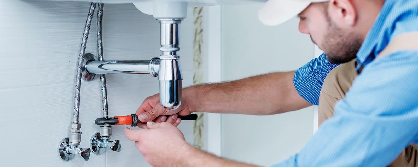 pourquoi-passer-par-un-plombier-professionnel-pour-realiser-vos-travaux