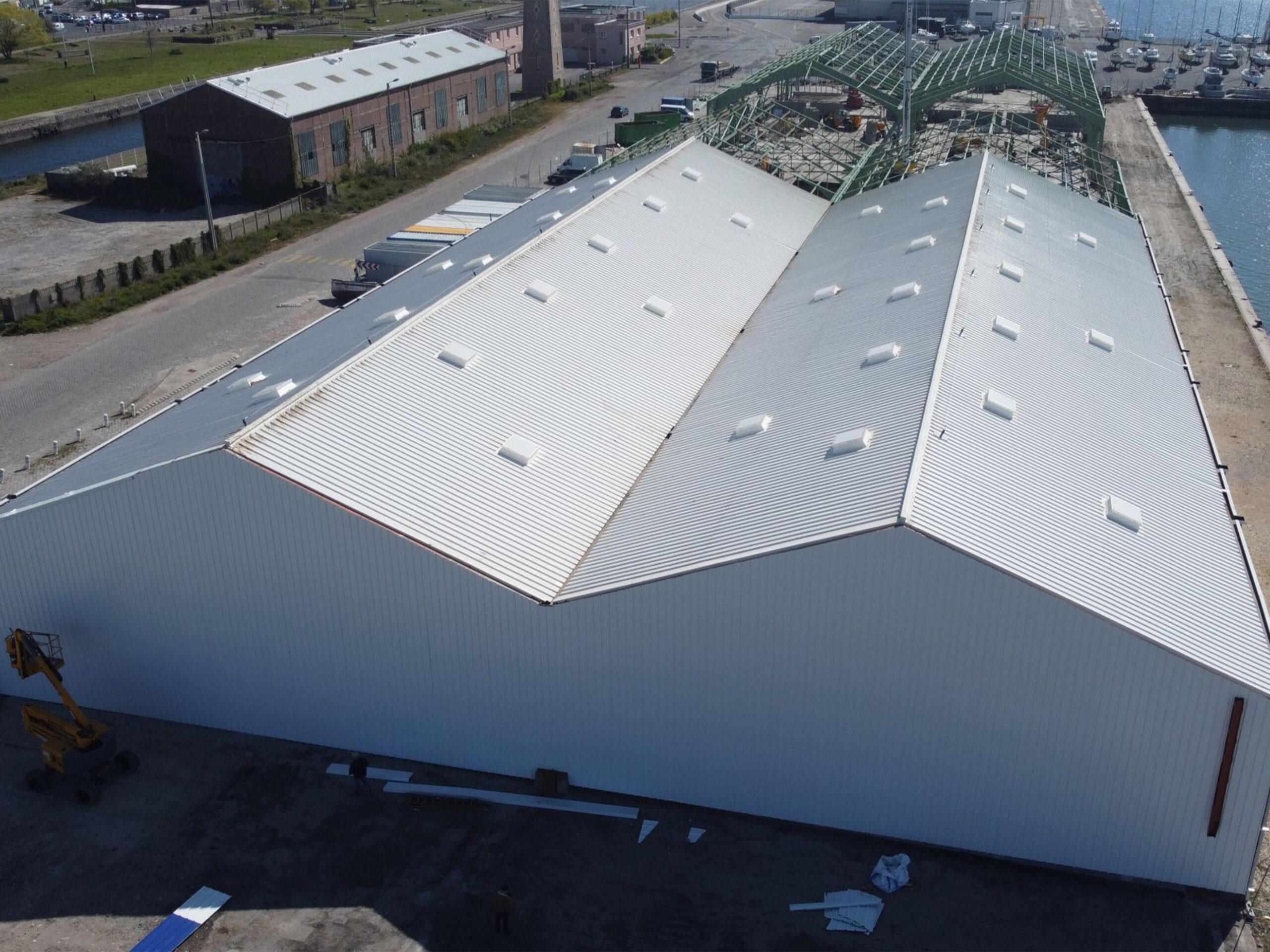 Chantier - réhabilitation hangar 42 Le Havre- Désamiantage, couverture & Bardage - Dufour